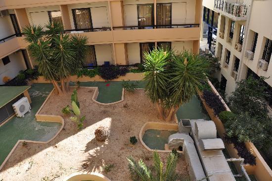 كيبريوتيس رودز هوتل - للبالغين فقط: patio
