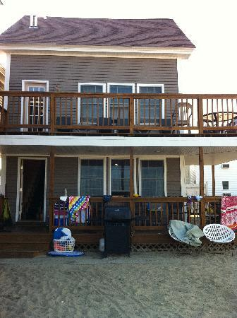 Echo Motel & Oceanfront Cottages: cottage facing beach