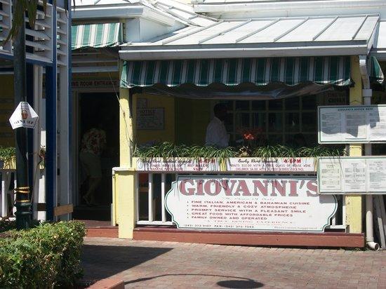 Giovanni's Cafe : Bahamas family vacation