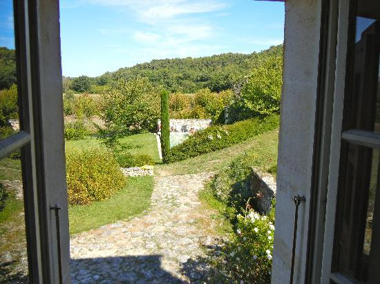 La Bastide des Magnans: View from the other window (pool area)
