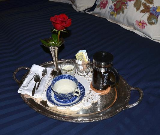 Garden Wall Inn: Coffee served in our room each morning ~ husband really enjoyed that!