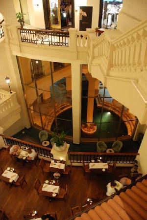 """Bottega del Vino Restaurant: The restaurant has """"open ceiling"""""""