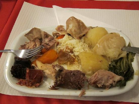 Restaurante Nacional: Carne Mista (mixed grill plate)