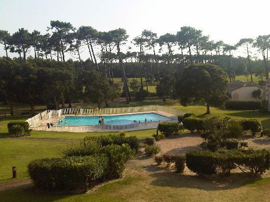Moliets et Maa, Frankrig: Vue sur la piscine depuis la terrasse