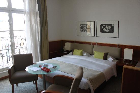 โรงแรมกาปรูกาเกเรอ: View of the bed and room.