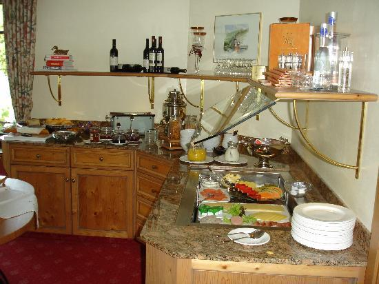 Kamp-Bornhofen, Germania: Appealing breakfast buffet