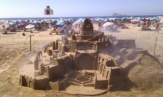 Benilux Park Hotel: sand sculptures