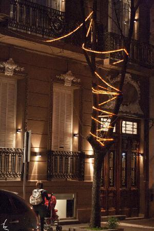 Hotel Boutique Raco de Buenos Aires : fachada noctirna