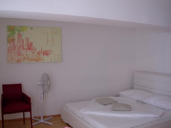 Vox Design Hotel: Bed