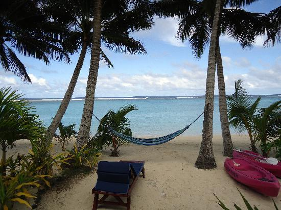 Bella Beach Bungalows: The view from the deck of our bungalow