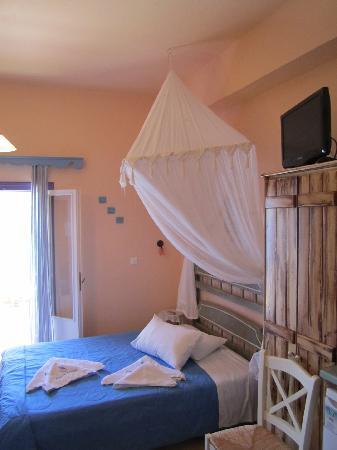 Amorgos Studios: room 101