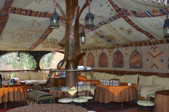Riad Lamane: berber onbijt-tent