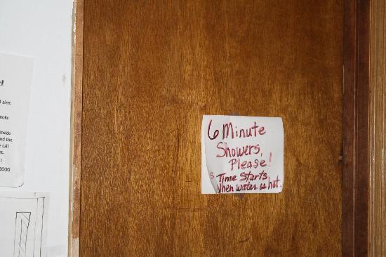 Kodiak Island Hostel: 6 min showers