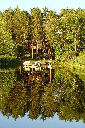 My Lake Home Bed & Breakfast and Tree House : The lake is still as glass!