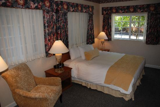 The Grand Hotel: Bungalow Suite