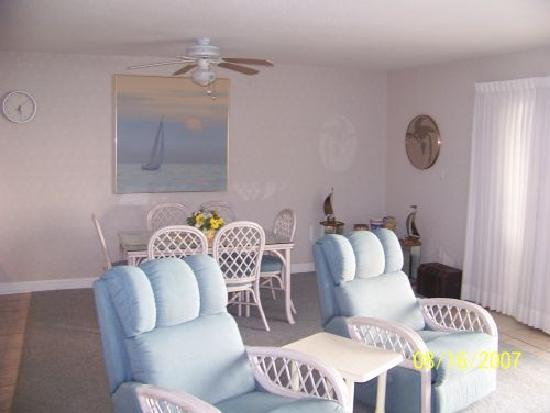 Indian Shores, Floryda: Very comfortable furniture