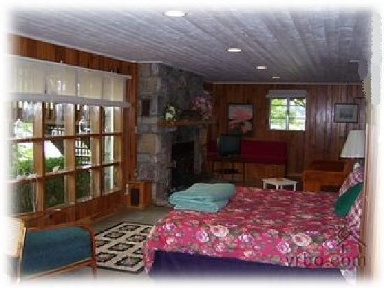Glenville, Carolina del Norte: The Basement Bedroom