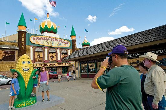 South Dakota: Mitchell Corn Palace