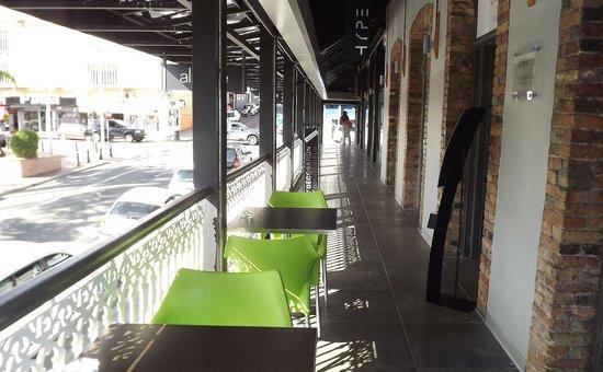 Le St Hub : verandah