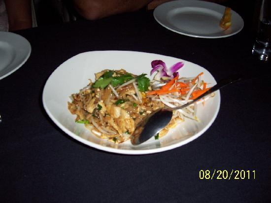 Nittaya's Secret Kitchen : Homestyle Pad Thai
