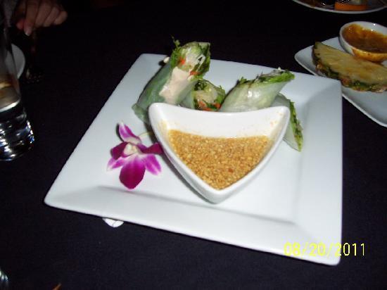 Nittaya's Secret Kitchen : Summerlin Rolls