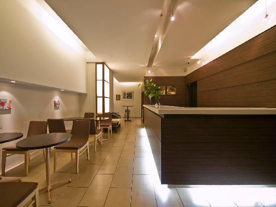 Hotel Tohkai: フロント