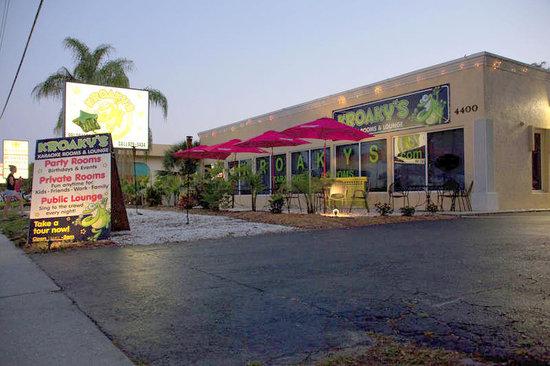 Kroaky's Karaoke: Exterior View