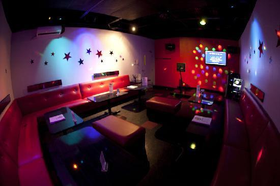 Kroaky's Karaoke: Private Room 8