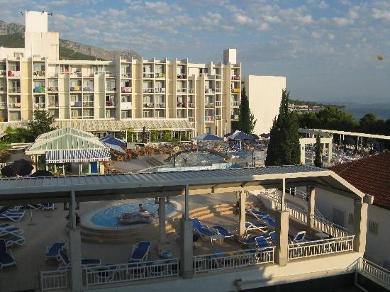 Tucepi, Croazia: Hotel Bluesun Alga mit Pool