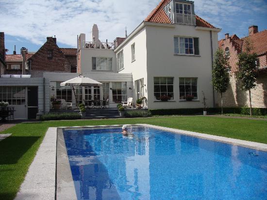 Casa Romantico: pool.....mmmmmm...fantastic