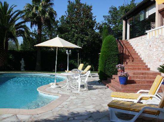 La Villa Florida : terrasse sur piscine