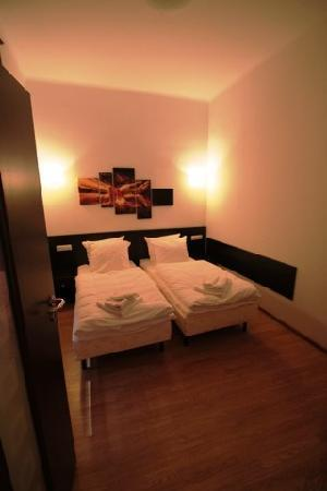 Night Experience Apartments : extra bedroom