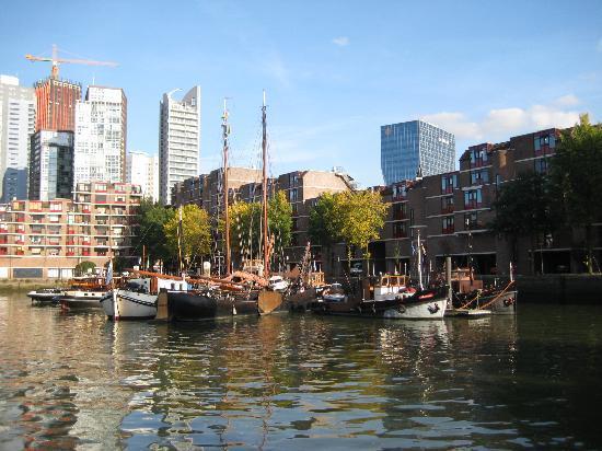 Eetcafé Het Gesprek: house boats