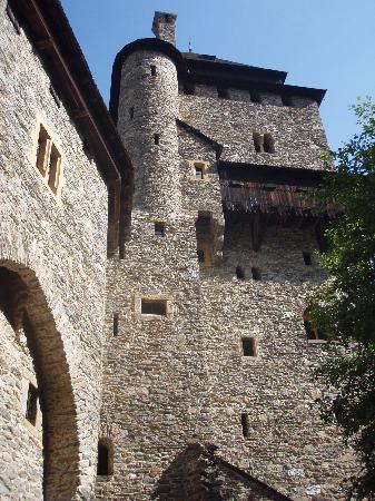 Burg Finstergrun : Burg