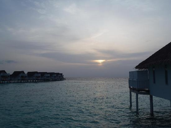 Centara Grand Island Resort & Spa Maldives: 水上コテージ