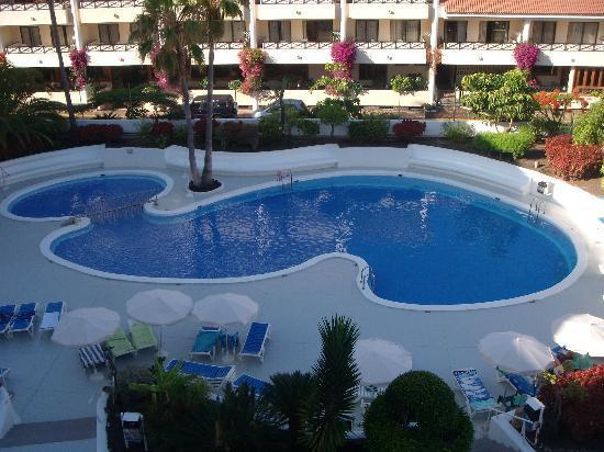 Hotel-Apartamentos Andorra: una de las piscinas