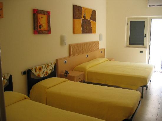 Hotel la tramontana bewertungen fotos preisvergleich for Hotel familiar montana