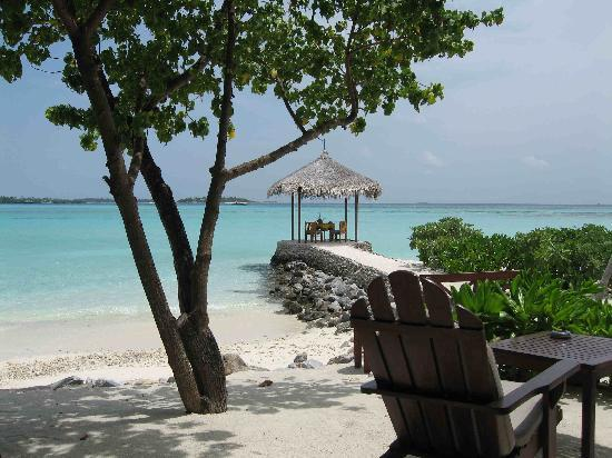 Four Seasons Resort Maldives at Kuda Huraa: I liked everything being so private, not crowded