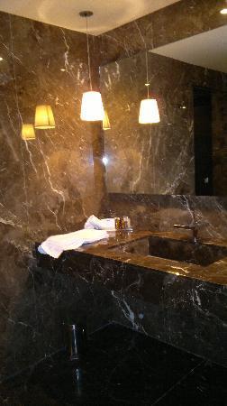 Blythswood Square Hotel: Salle de bain