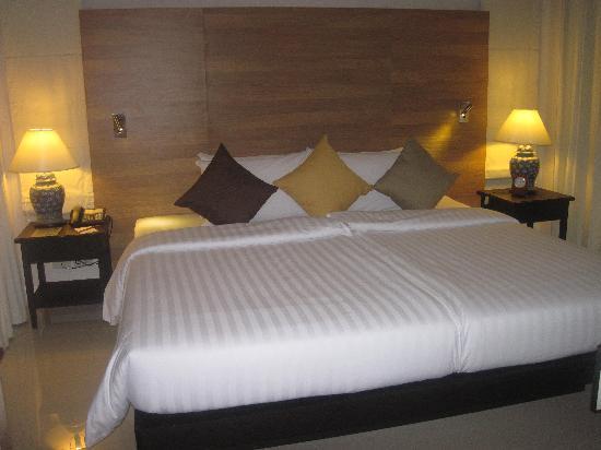 Kantary Beach Hotel Villas & Suites Khao Lak: Our bedroom