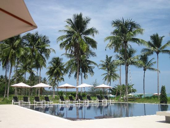 Kantary Beach Hotel Villas & Suites Khao Lak: Beach pool