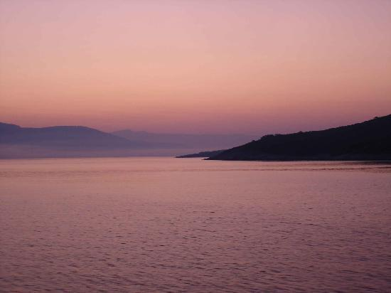 Hvareno: Sunrise over Hvar