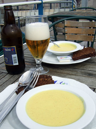 S/S SWEA Restaurang: Veggie soup. Water (included) and beer for DH.