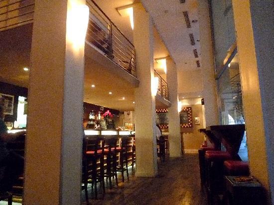 Godenda Wine Bar: Interior Godenda