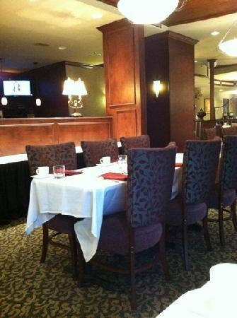 Four Points by Sheraton Knoxville Cumberland House : restaurant