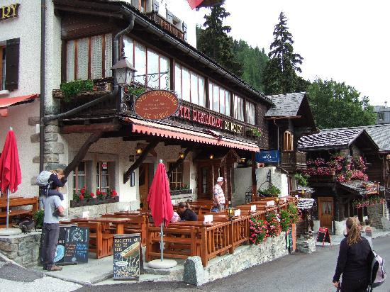 Hotel de Moiry : Tuesday morning, 26 July 2011