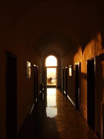 Hotel San Michele: 朝の廊下