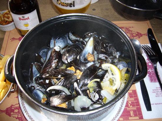 La Chaloupe d'or: ムール貝の白ワイン蒸し