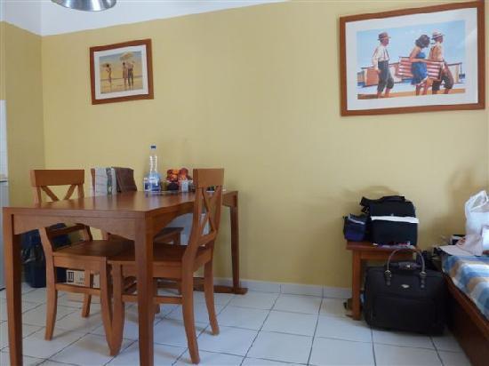 Apartamentos Maeva Les Grands Pins: salle à manger
