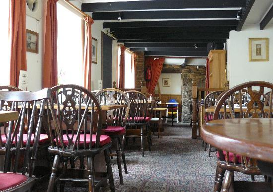Ring O'Bells at St Issey: Dining Room